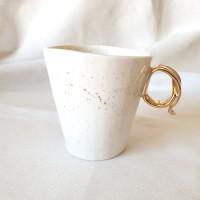 Pistrui de aur - Cana din portelan toarta aurie, 200ml Gold Freckles Cup 4-M